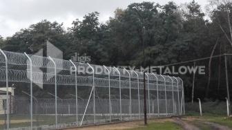 Montaż ogrodzenia agresywnego w obiektach penitencjarnych